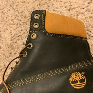 Timberland size 9.5 pre owned great condition